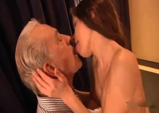 Teen has a thing for her hung dad